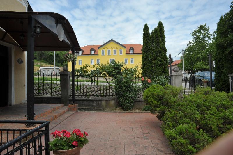 HOTEL PUNTIJAR, Zagreb, Hrvatska – 663 HRK – 2x noćenje u Twin Superior sobi za 2 osobe, 2x doručak za 2 osobe