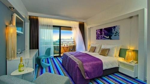 Befunky hotelluxesplit room 12.jpg