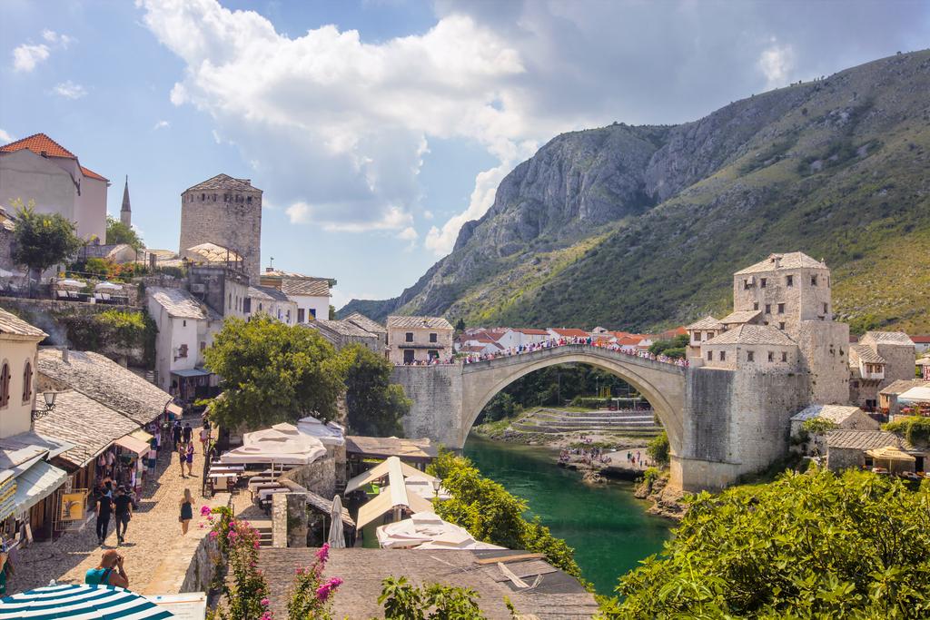 HOTEL BRISTOL MOSTAR, Mostar, Bosna i Hercegovina – 1,284 HRK – 2x noćenje s doručkom za 2 osobe, 1x ručak s pićem dobrodošlice u restoranu Labirint, Stari grad Mostar