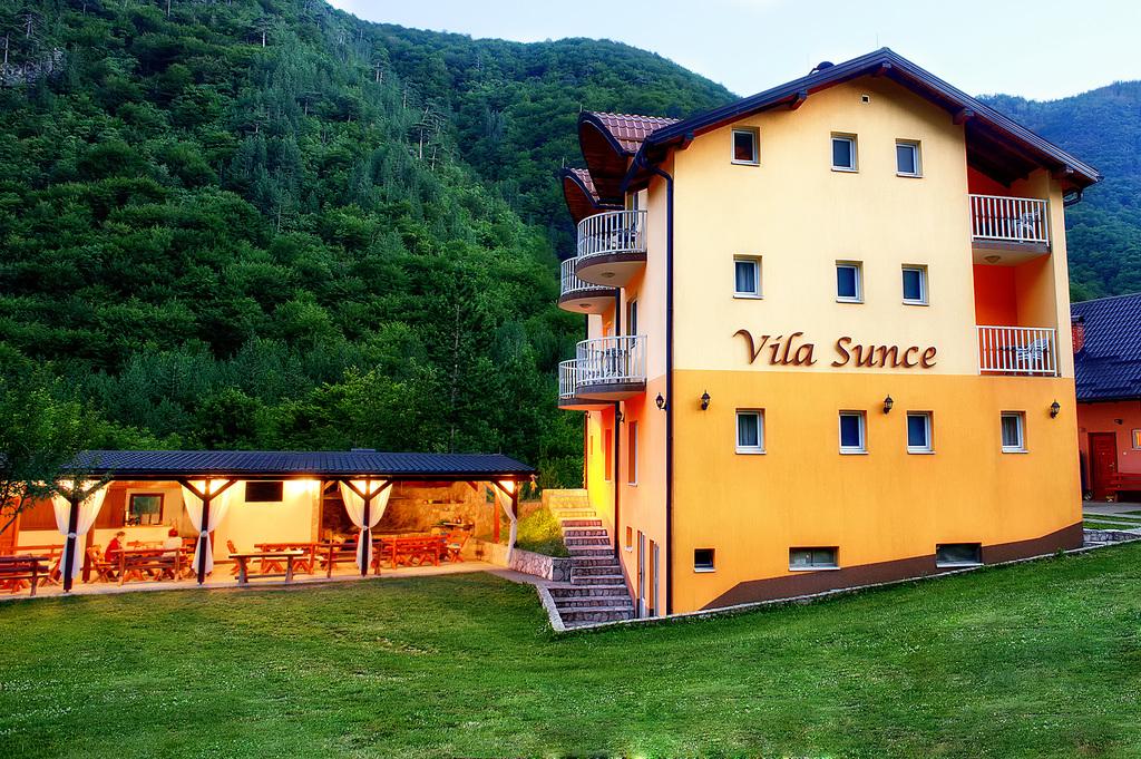 VILA SUNCE, Boračko jezero, Konjic, Bosna i Hercegovina – 378 HRK – 2x noćenje za 2 osobe, 2x doručak za 2 osobe