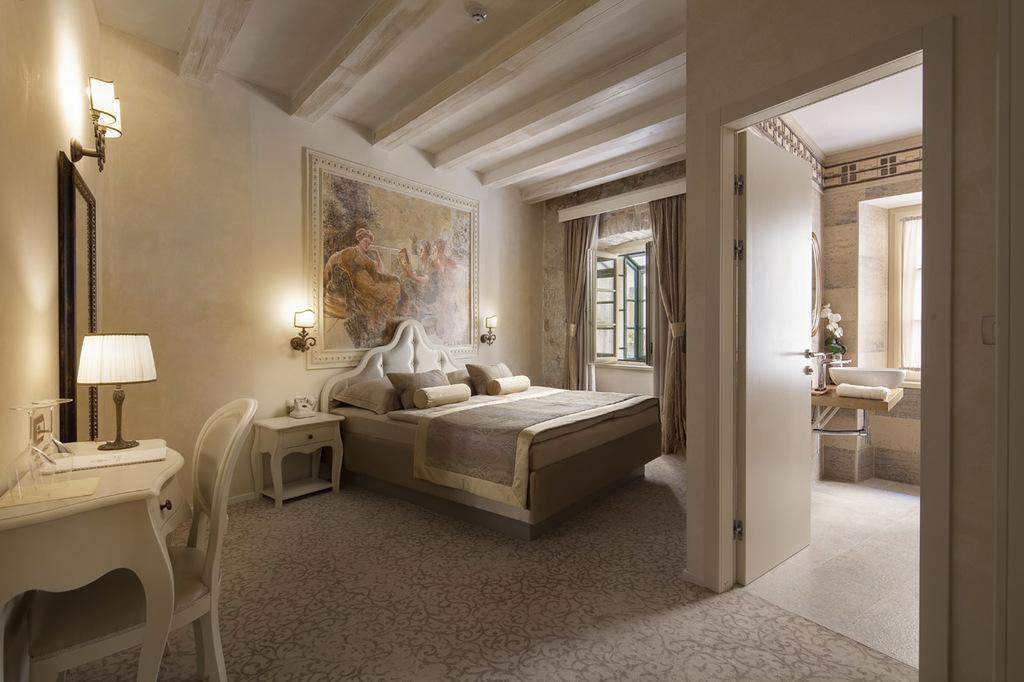 HOTEL LIFE PALACE – LIVING HISTORY, Šibenik, Dalmacija, Hrvatska – 1,400 HRK – 2x noćenje u luksuznoj Superior sobi za 2 osobe, 2x doručak za 2 osobe