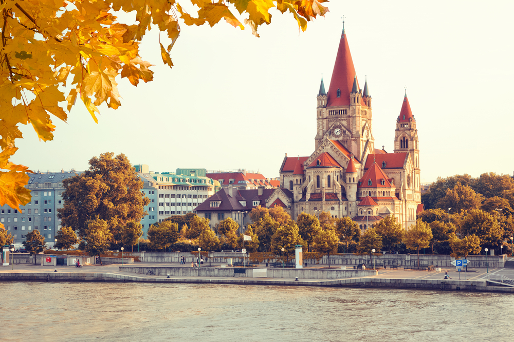 HOTEL TOUROTEL MARIAHILF, Beč, Austrija – 1,897 HRK – 3x noćenje u Standard dvokrevetnoj sobi za 2 osobe, 3x doručak za 2 osobe