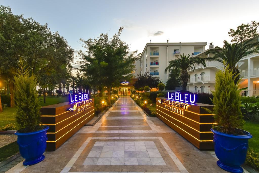 LE BLEU HOTEL & RESORT 5* – ALL INCLUSIVE, Kusadasi, Turska – 6.051 HRK – 5x noćenje u dvokrevetnoj sobi (park strana) za 2 osobe, 5x all inclusive (doručak, ručak i večera) za 2 osobe