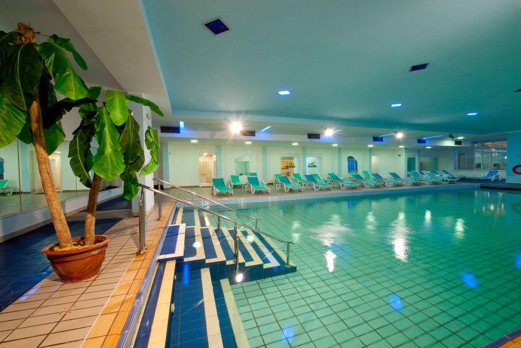 HOTEL HEDERA – OBITELJSKI PAKET, Rabac, Hrvatska – 1.997 HRK – 3x noćenje u Superior sobi 2+2 za 2 osobe (1 dijete do 7 godina na dodatnom ležaju besplatno), 3x polupansion za 2 osobe