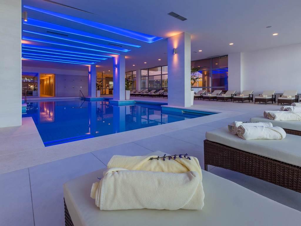 HOTEL KATARINA, Selce, Hrvatska – 505 HRK – 1x noćenje u dvokrevetnoj sobi za 2 osobe, 1x polupansion za 2 osobe
