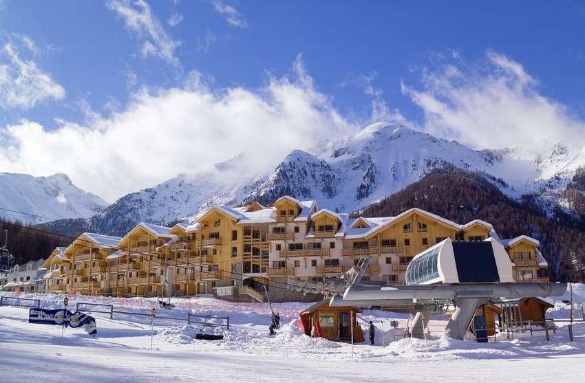 SKIJANJE FRANCUSKA – FIRST MINUTE PAKET, Les Orres, Francuska – 5.509 HRK – 7x noćenje u apartmanu za 4 osobe, 6-dnevna skijaška karta za 4 osobe
